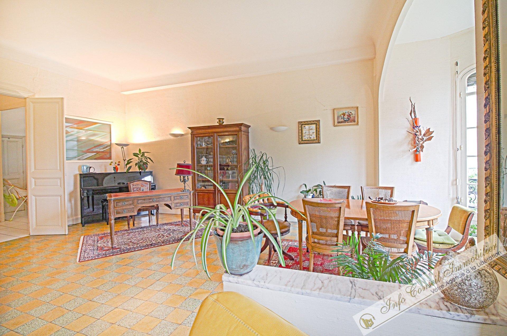 CIMIEZ - Somptueux Palais BOURGEOIS - Avant dernier étage - 4/5P - 165 m² - 899.000 €