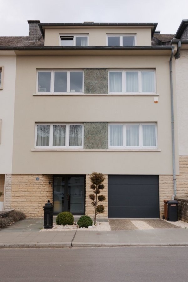 Beautiful 5 bedrooms spacious house for rent in quiet part of Bonnevoi