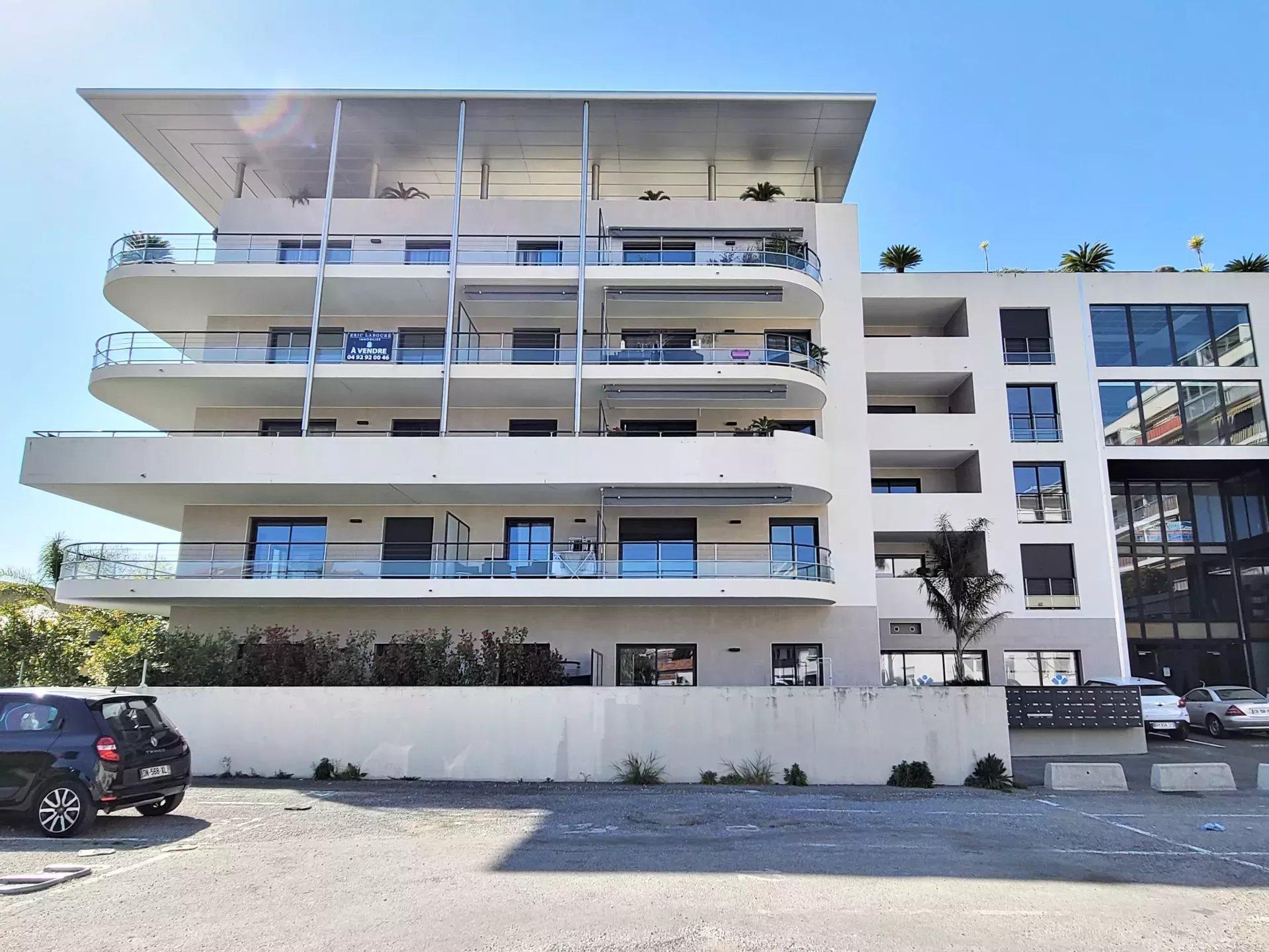 Sale Apartment - Cannes-la-Bocca Bord de mer