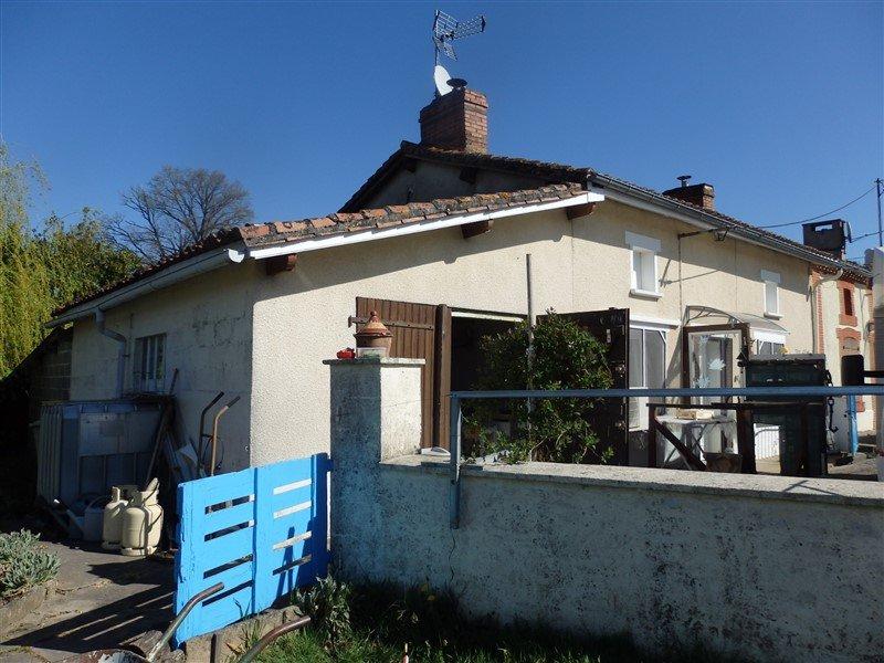Huis met garage en mooie tuin te koop in de Haute Vienne