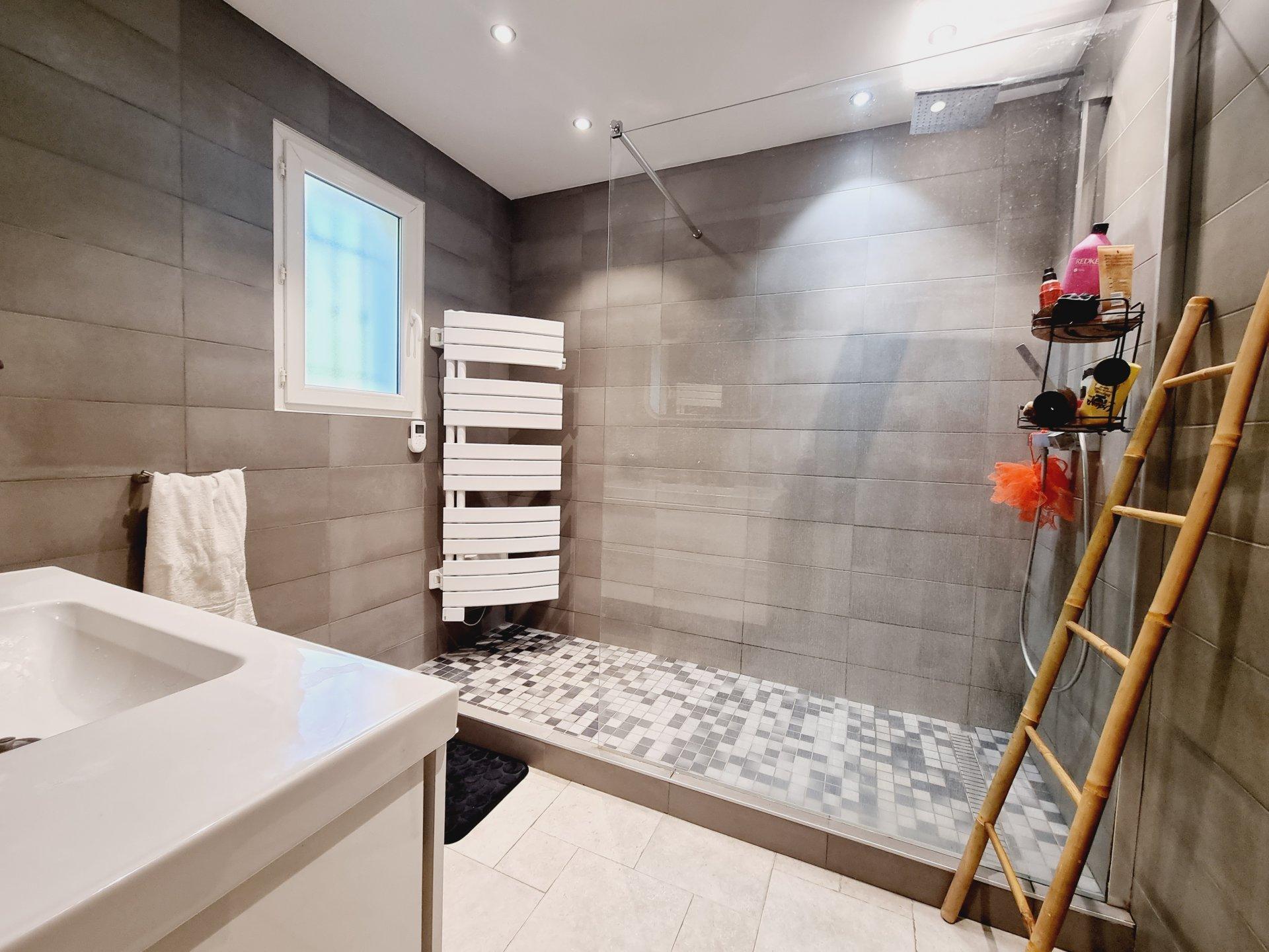 Exclusivité- Vente villa individuelle plain pieds, calme absolu, Grasse Saint Jacques