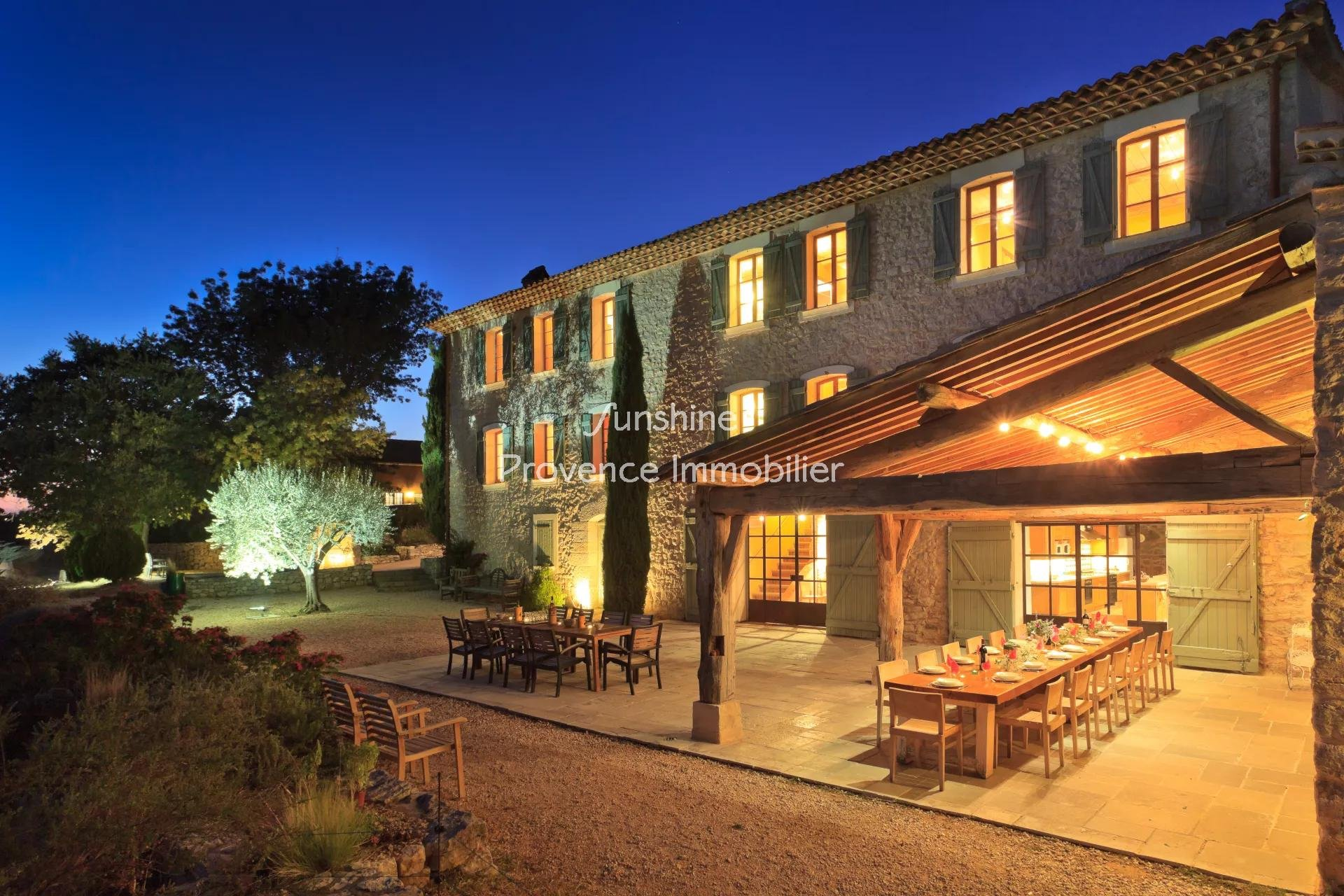 MAGNIFICENT STONE BASTIDE ON AN ESTATE OF 17.6 HECTATES