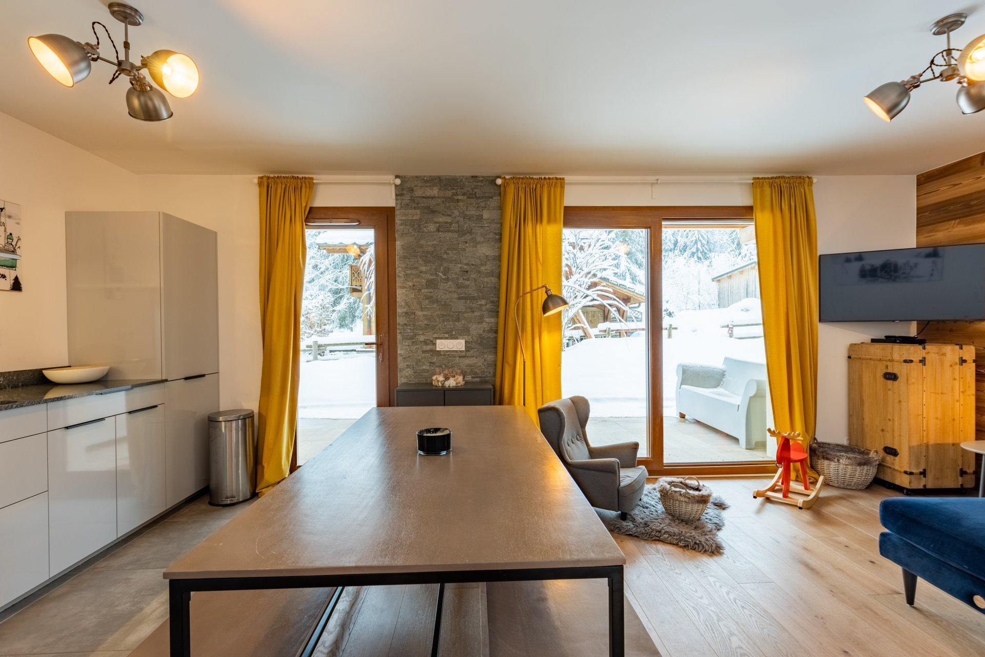 Rental apartment: Newly built 2 bed, 2 bath apartment with terrace near to Prodains Gondola.