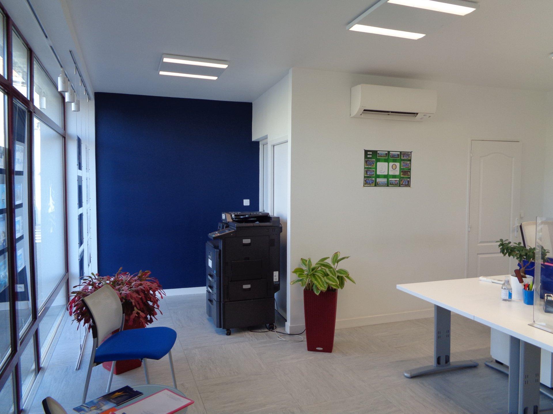 Rental Office - Nueil-les-Aubiers