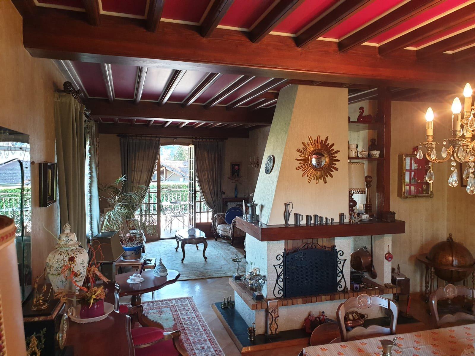 Jolie Maison à Rafraichir,  sur 2400m²