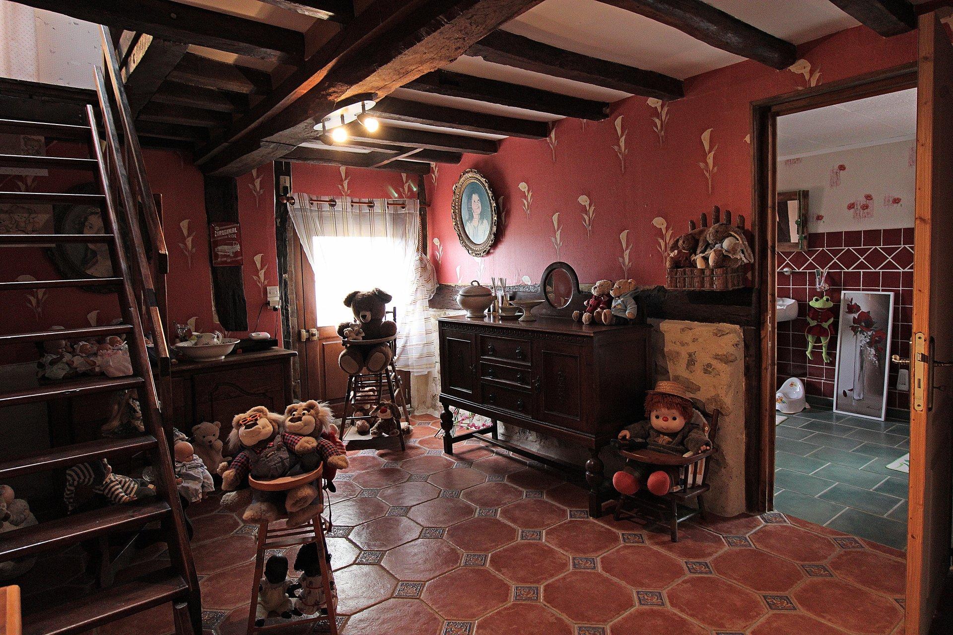 PAYS D'AUGE CALVADOS  A minutes de Lisieux une maison Normande avec 4 500m2 de terrain