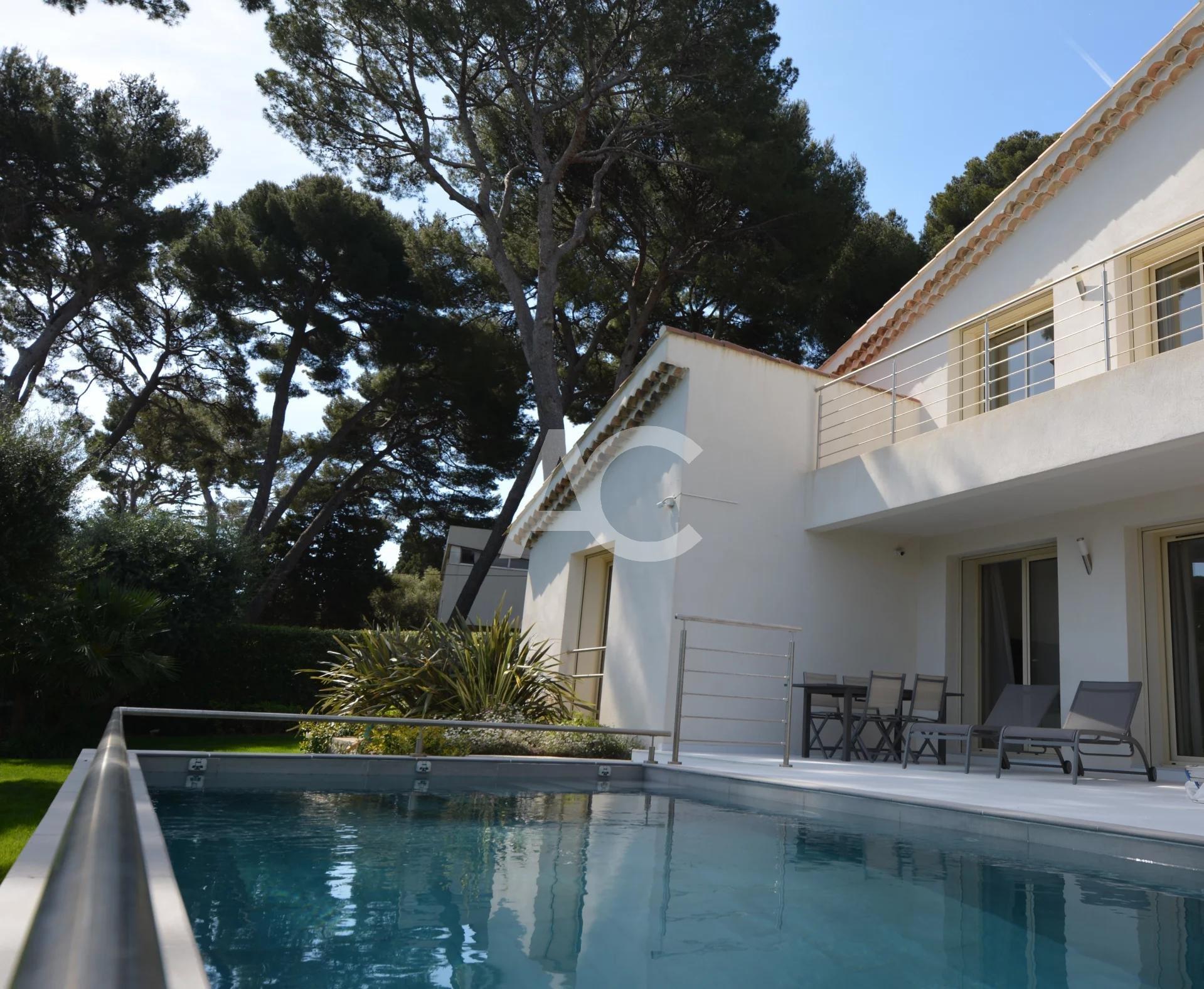 Belle villa à pied des plages - Cap d'Antibes