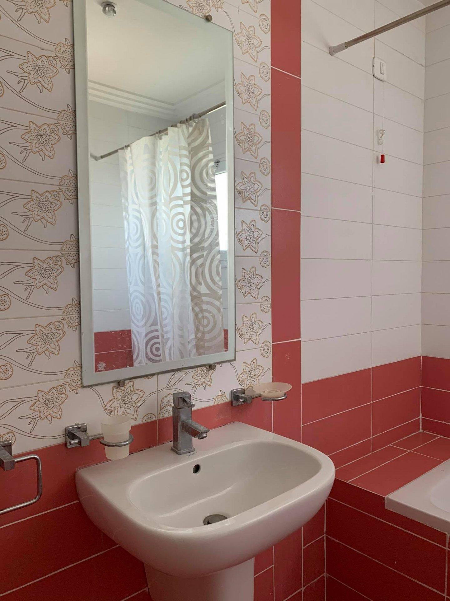 Location Appartement S+2 meublé à La Soukra.