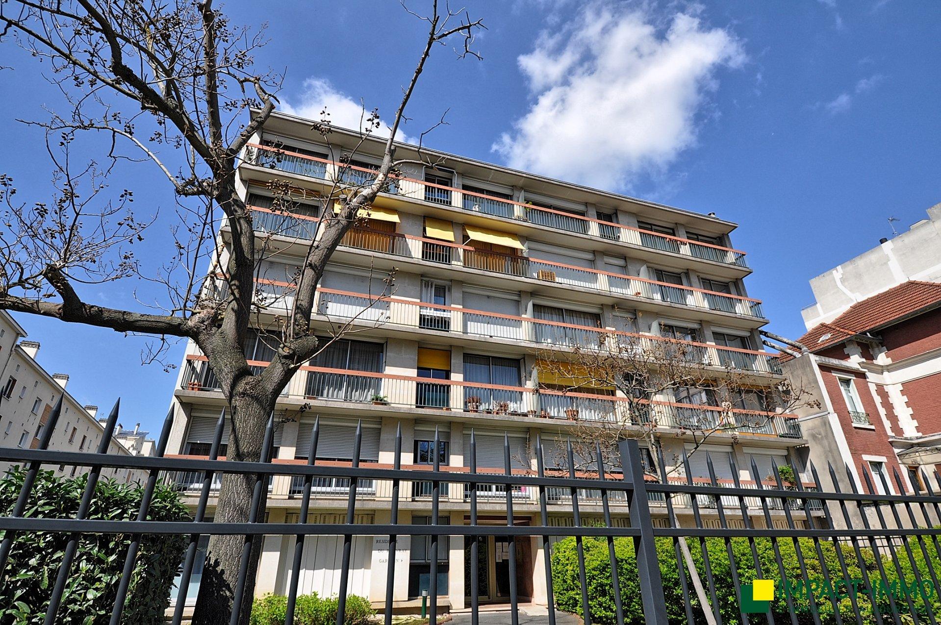 Rhin et Danube - grand 3p à rénover - balcons - asc