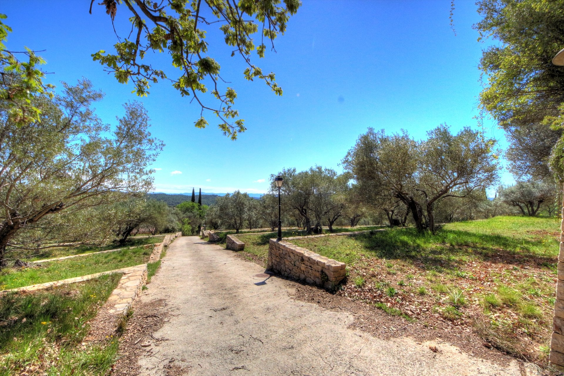 Lorgues, magnifique propriété de 2Ha avec vue panoramique