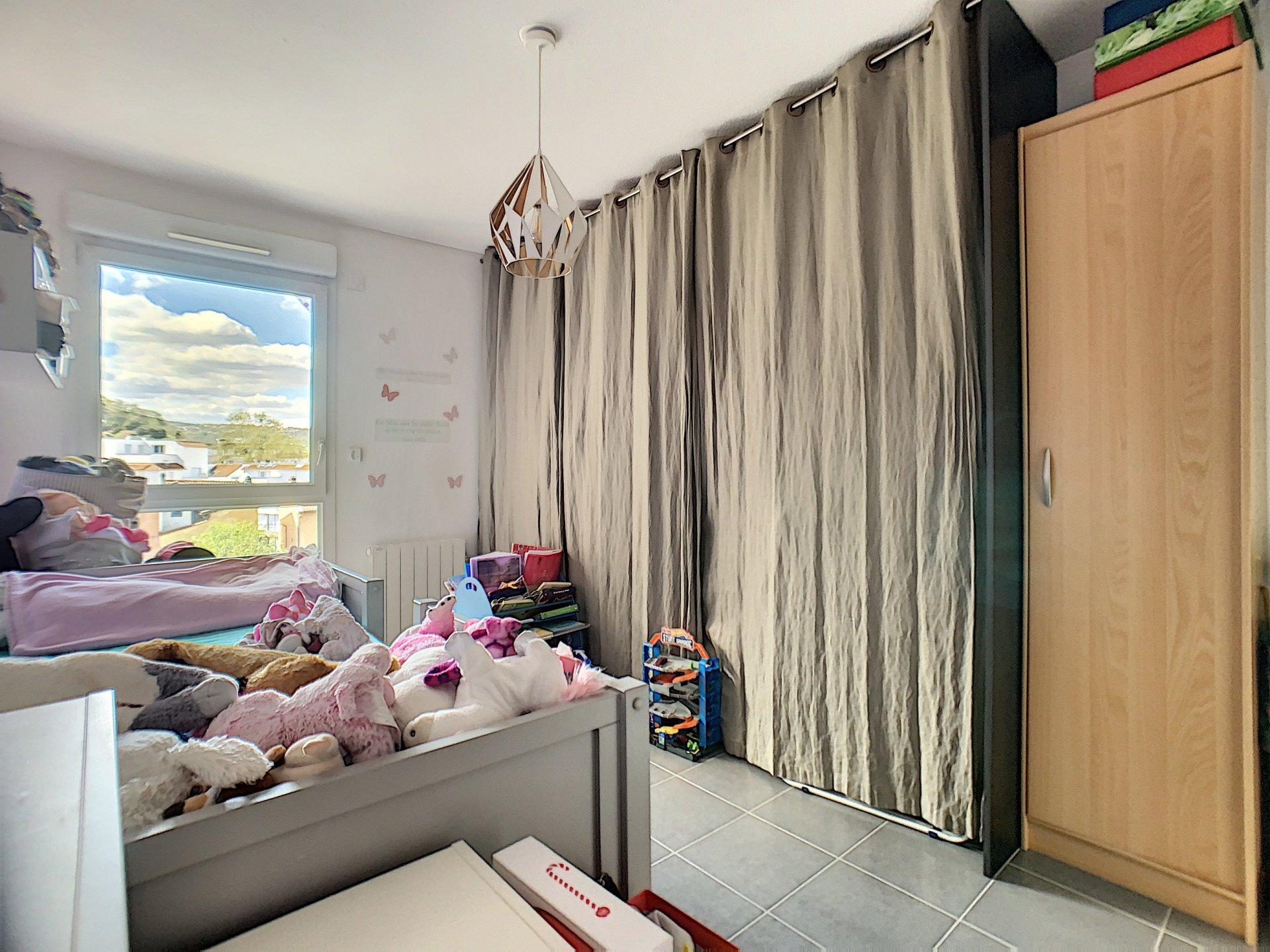 Appartement t3 avec balcon et garage