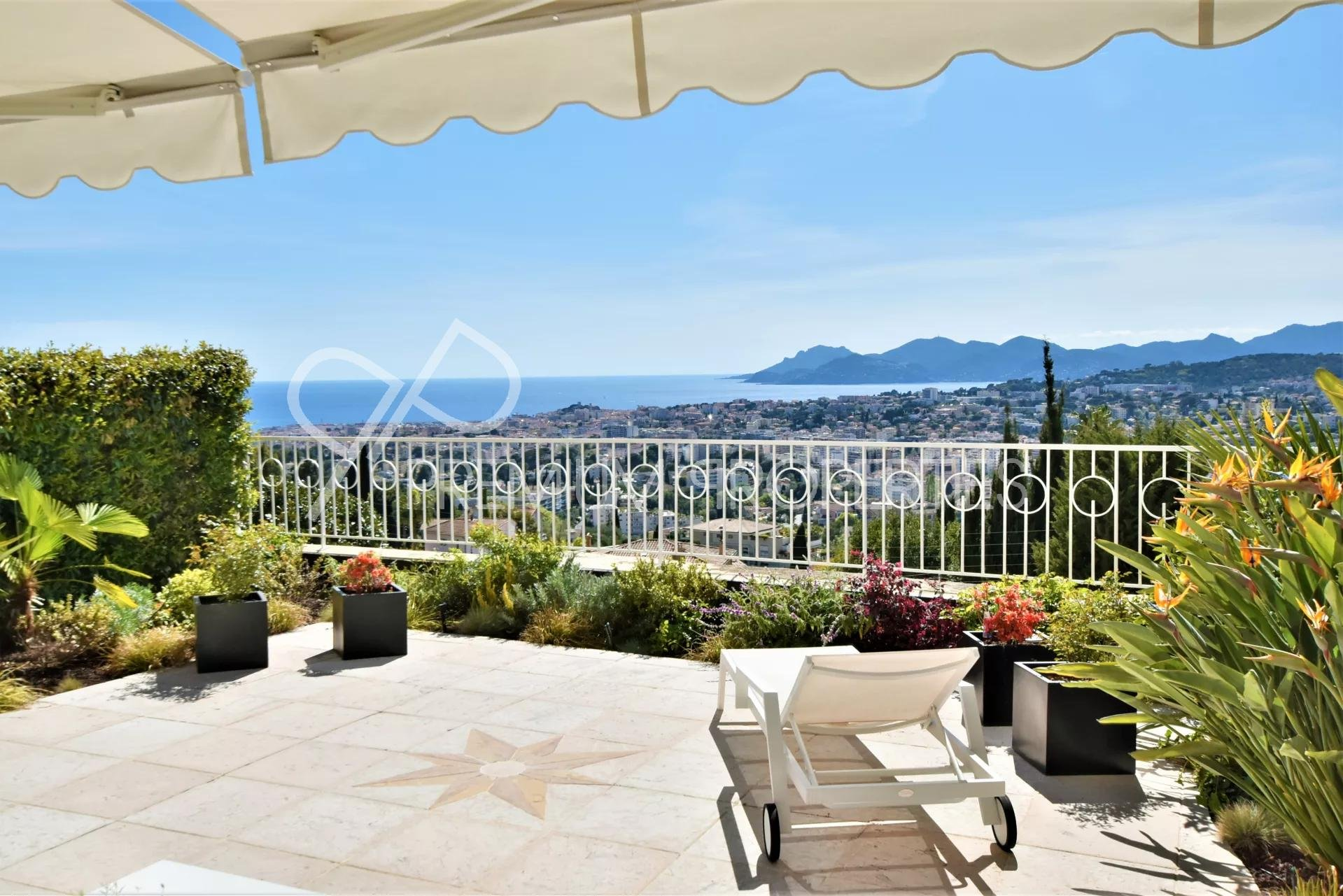 CANNES - LUXURY FLAT WITH SPECTACULAR VIEWS