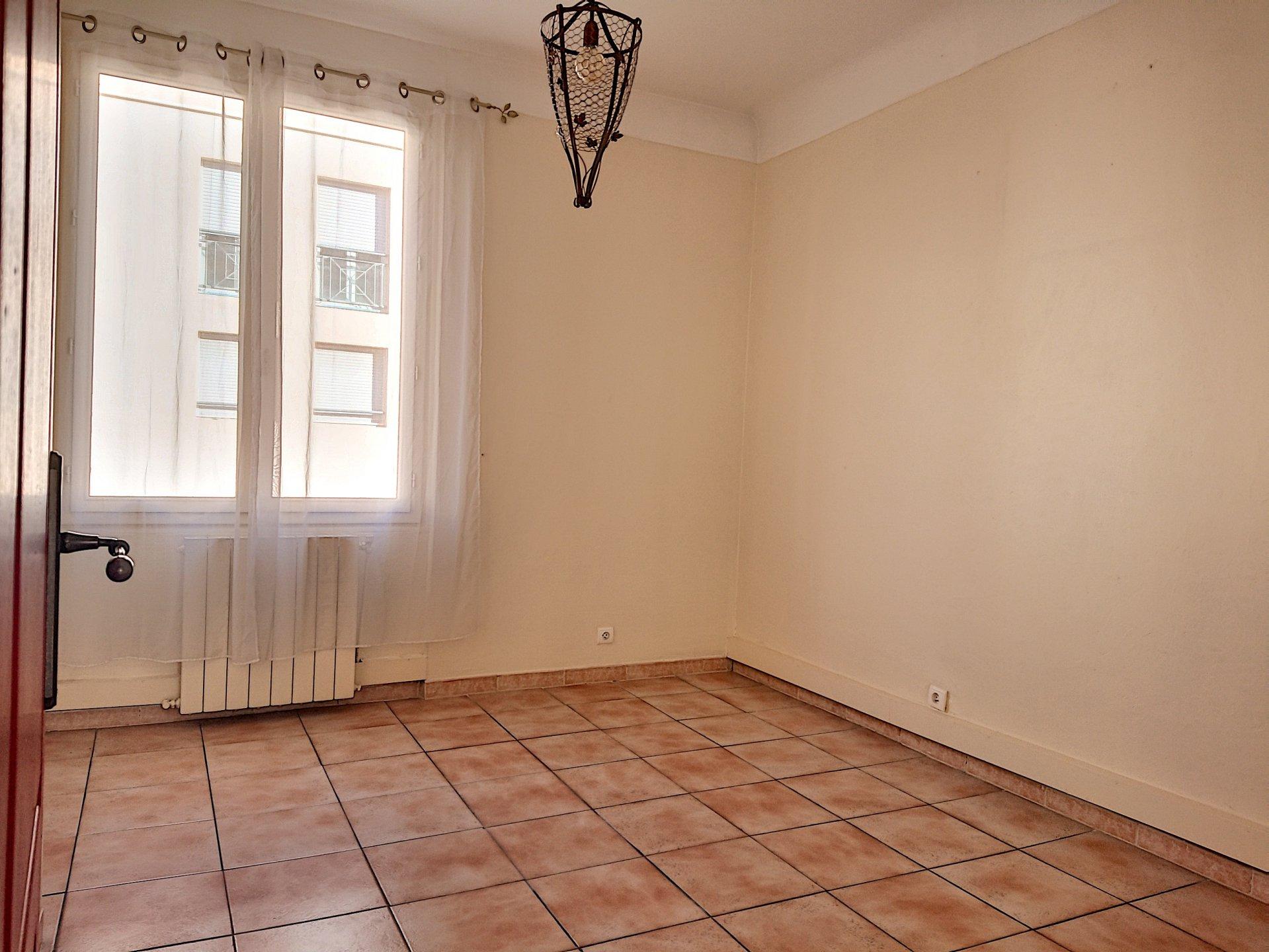 St Laurent du Var  - Appartement - 4 Pièces