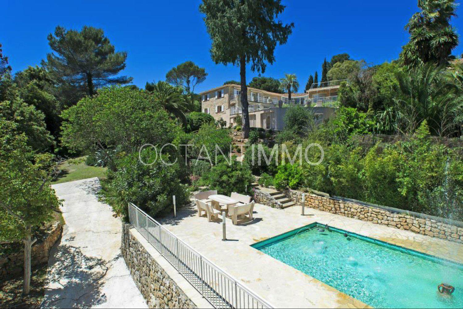 BIOT - stone built villa of contemporary style