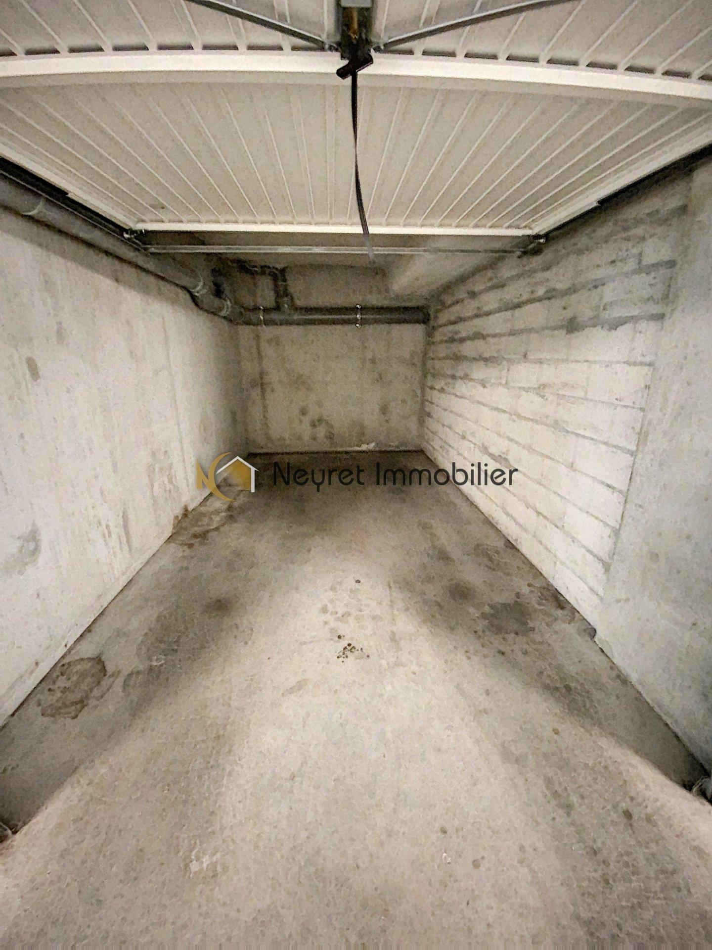 Hyper centre T3 dernier étage, terrasse, garage