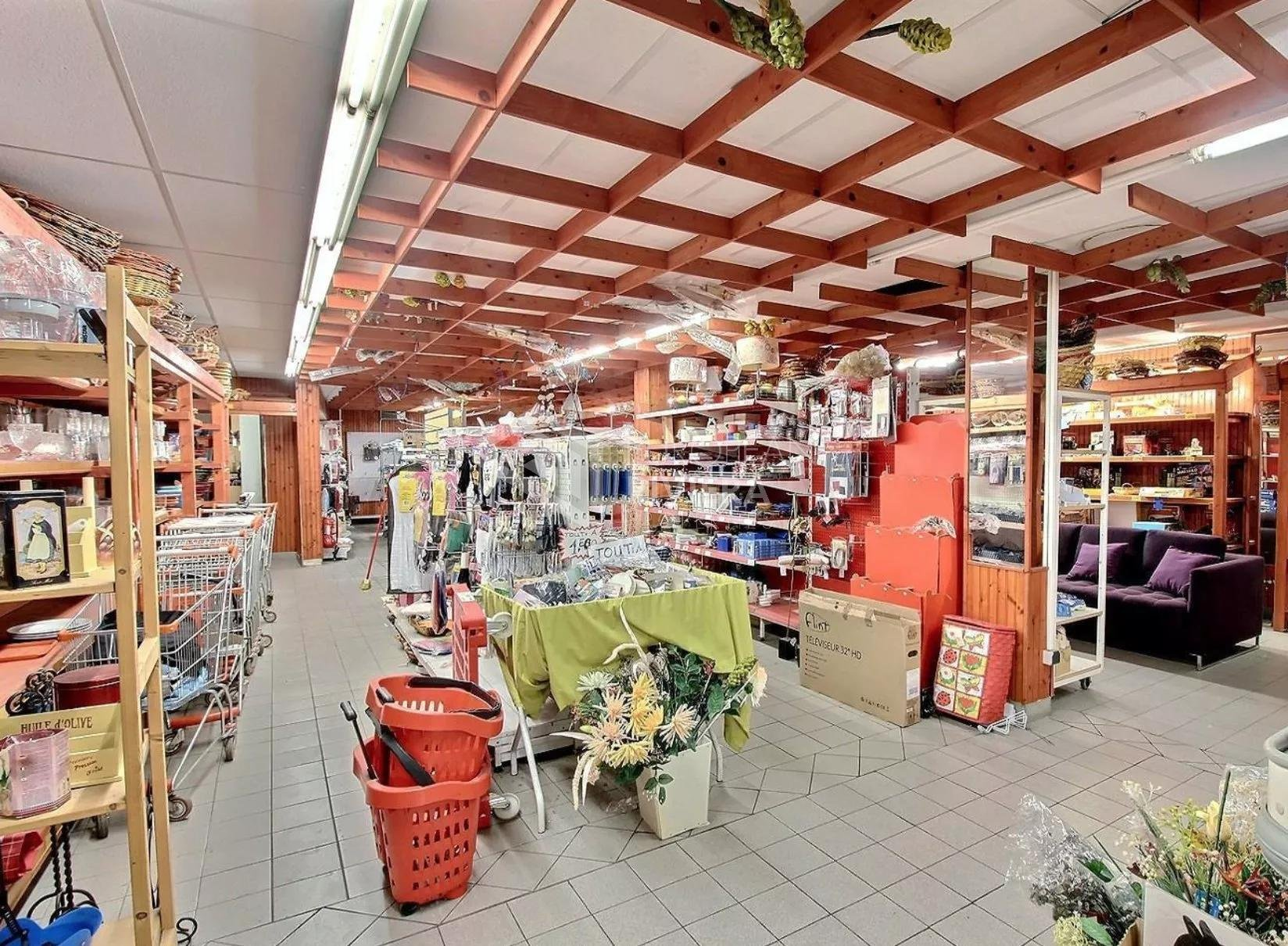 Nice Bas Madeleine - Local commercial de 350 m2