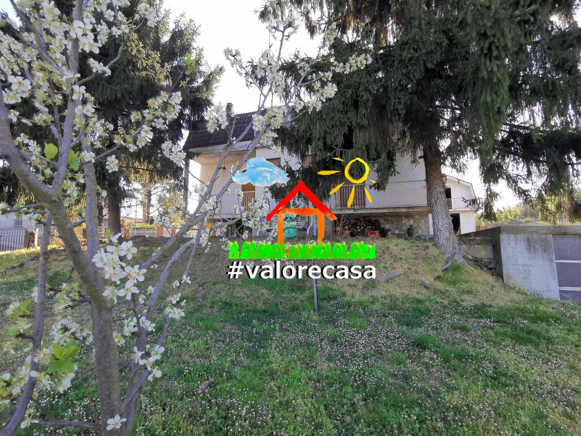 Villa  indipendente con terreno privato