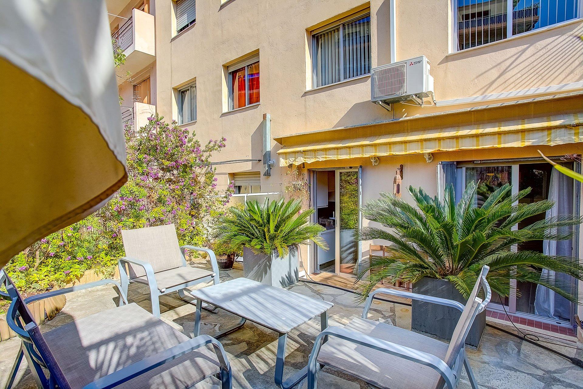 3 pièces terrasse de 27 M2 rue Barberis
