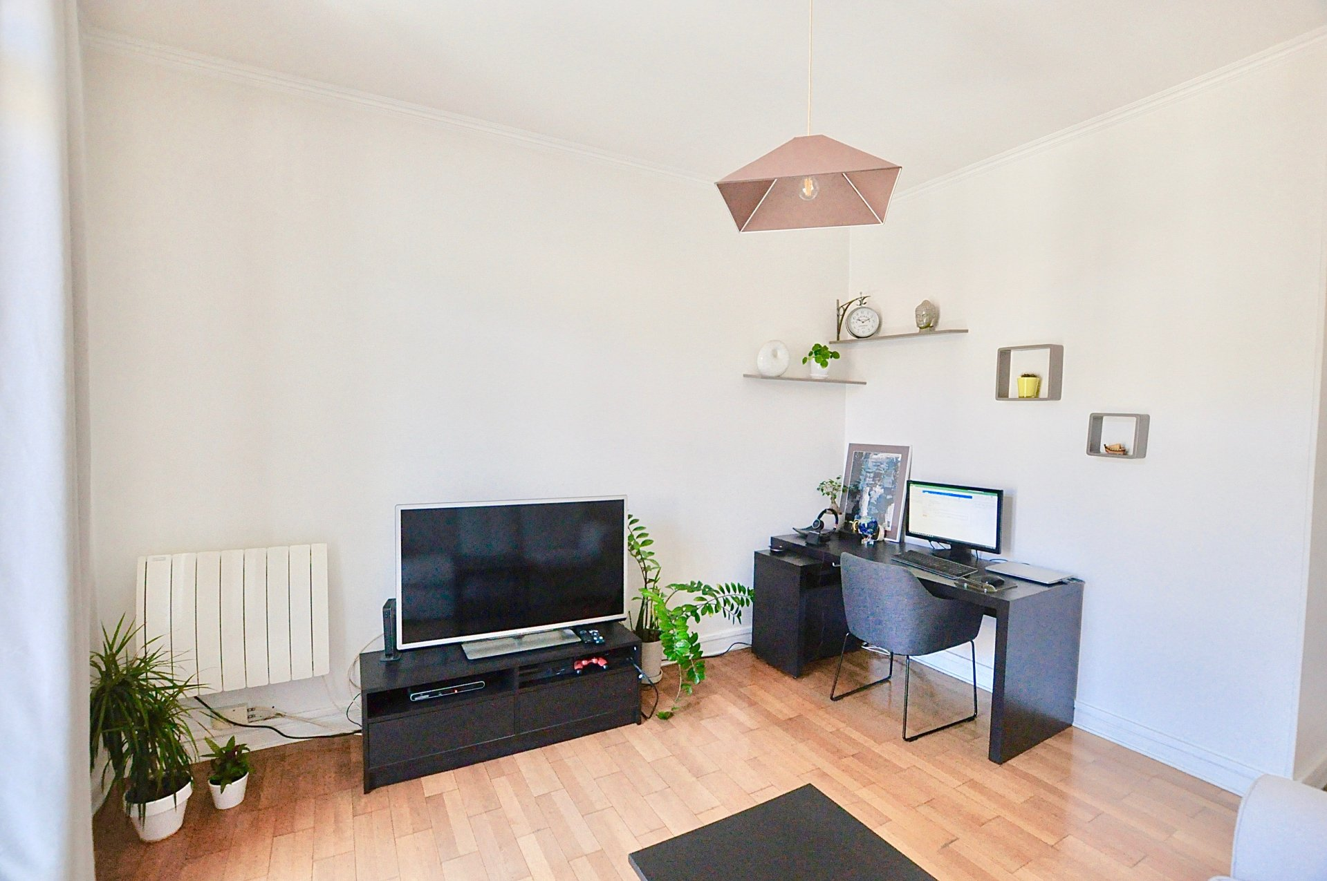 2 pièces Dernier étage  -  Balcon - Nice Riquier