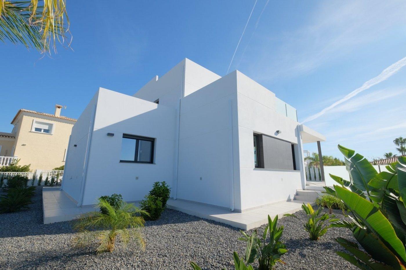 Villa moderne nouvellement construite