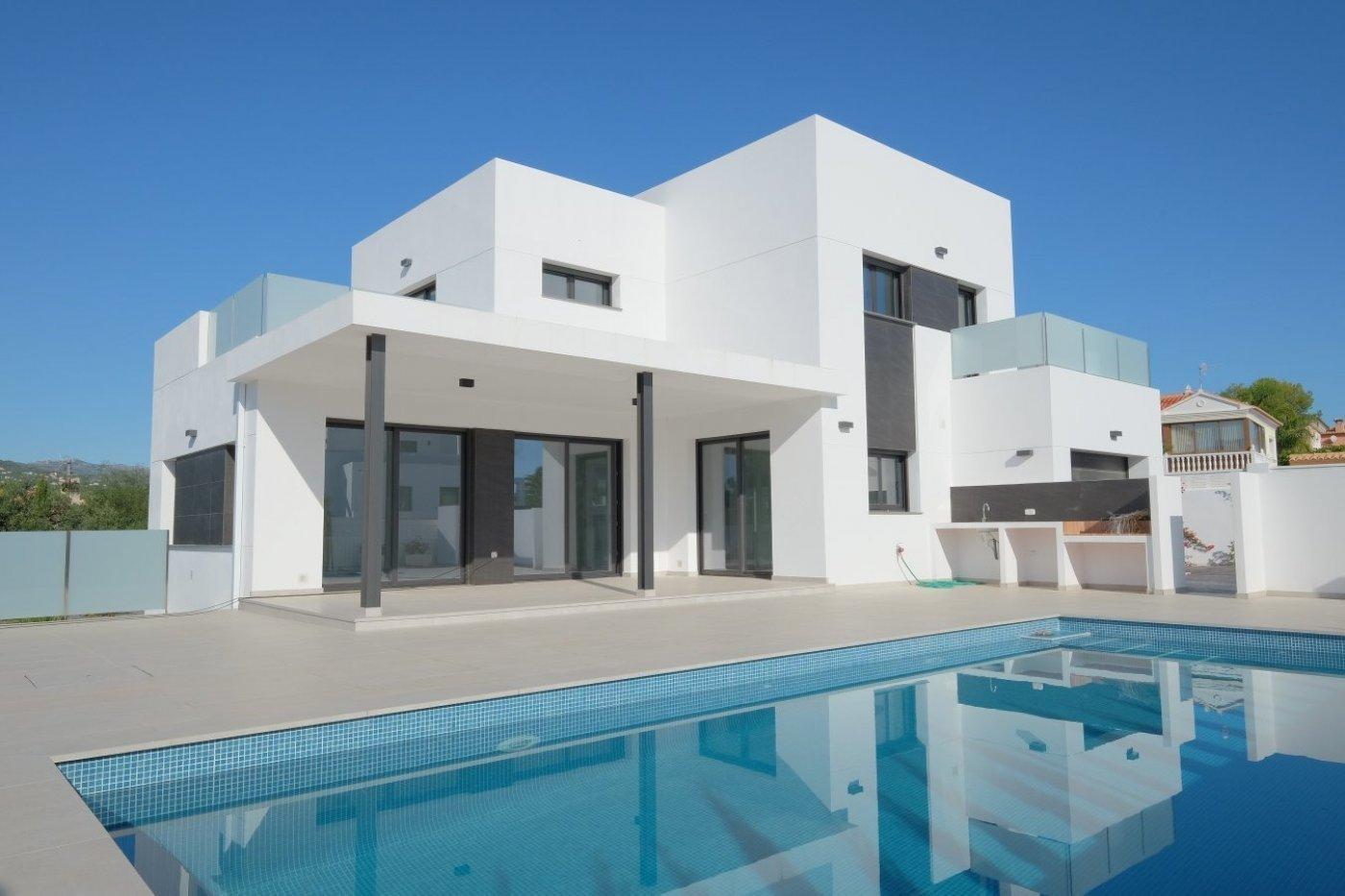 Moderne villa nieuw gebouwd