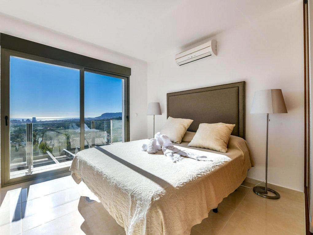 Villa van hoge kwaliteit met prachtig uitzicht op zee