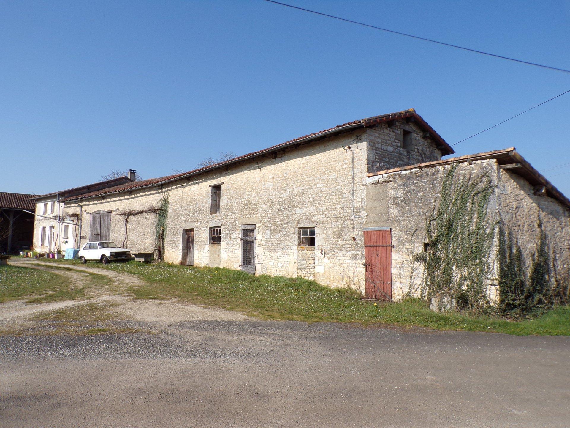 Maison de campagne proche de Ruffec