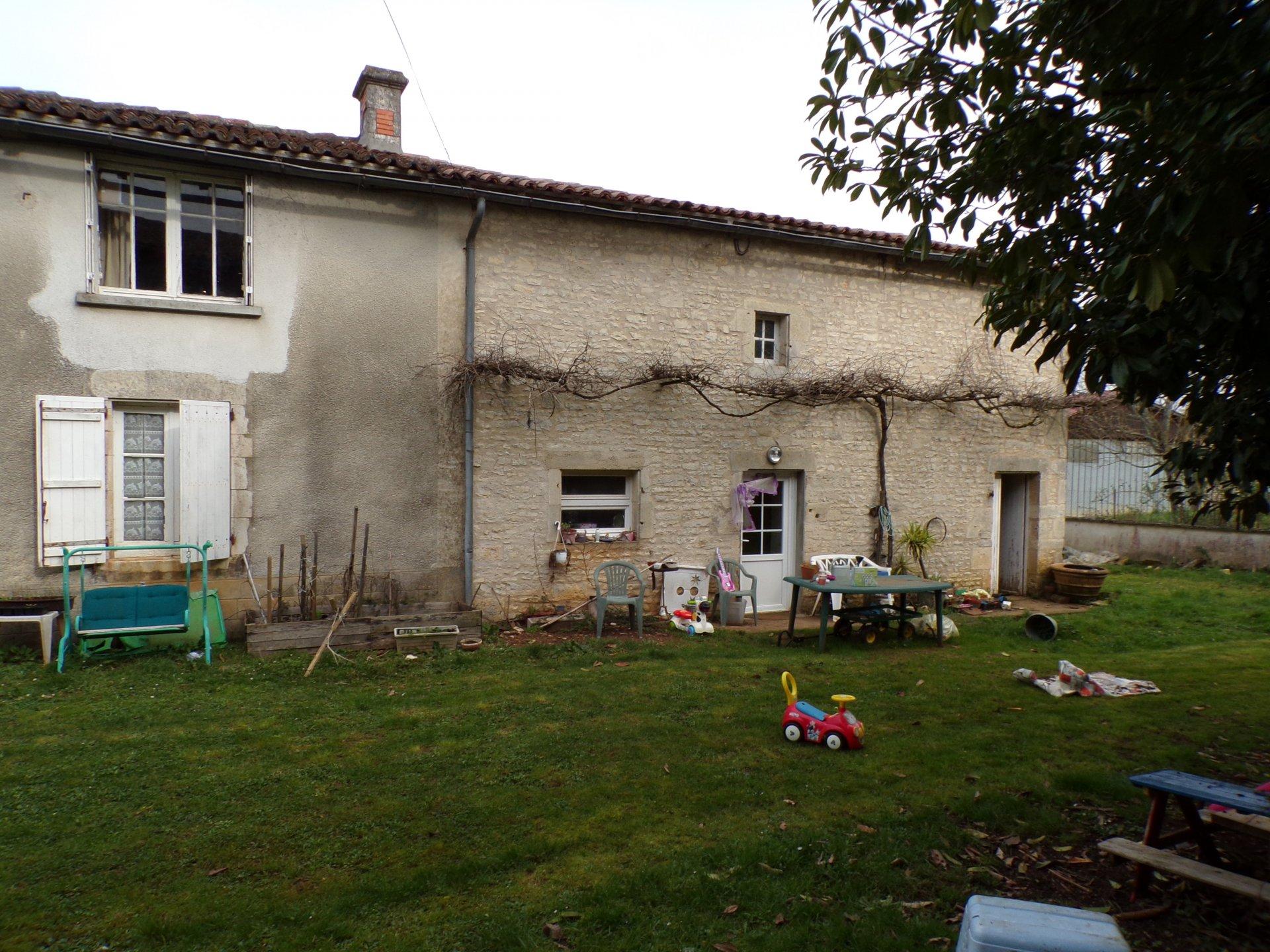 Farmhouse near Ruffec