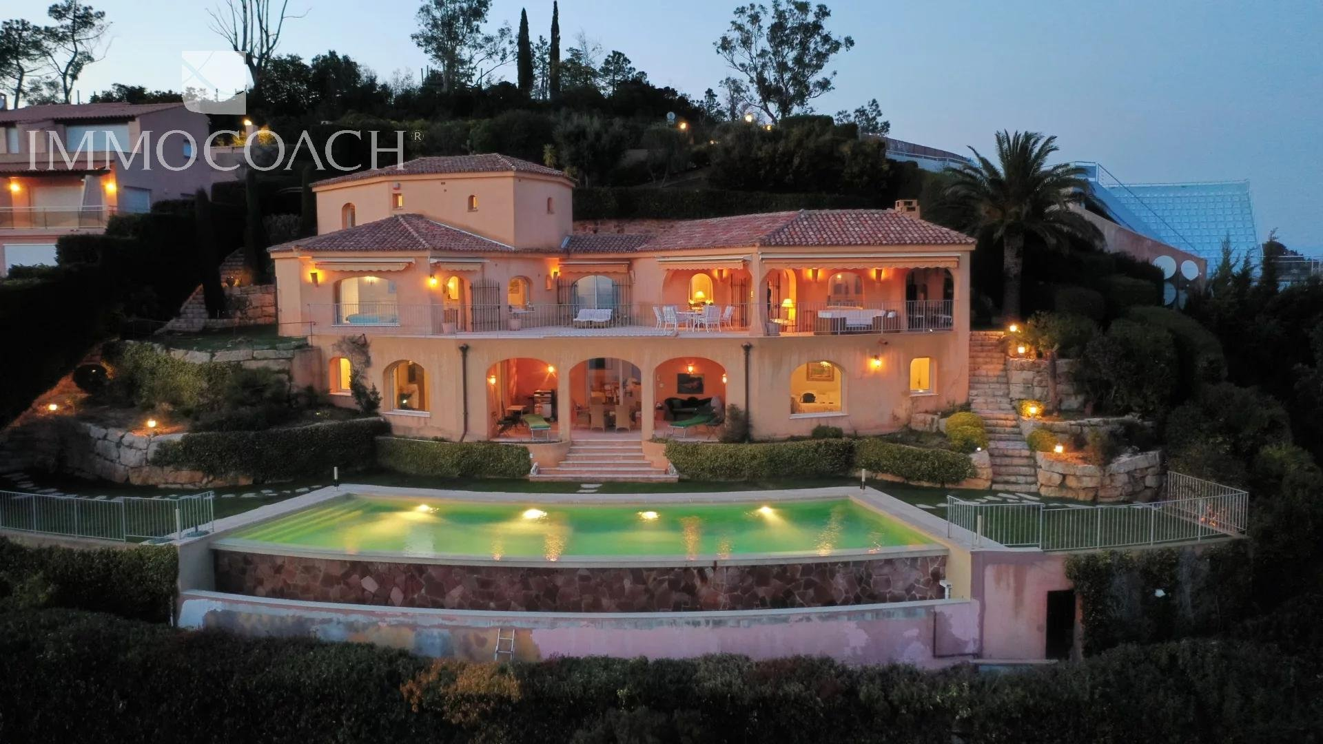 Prestigious villa with splendid sea view and large swimming pool in Théoule sur Mer