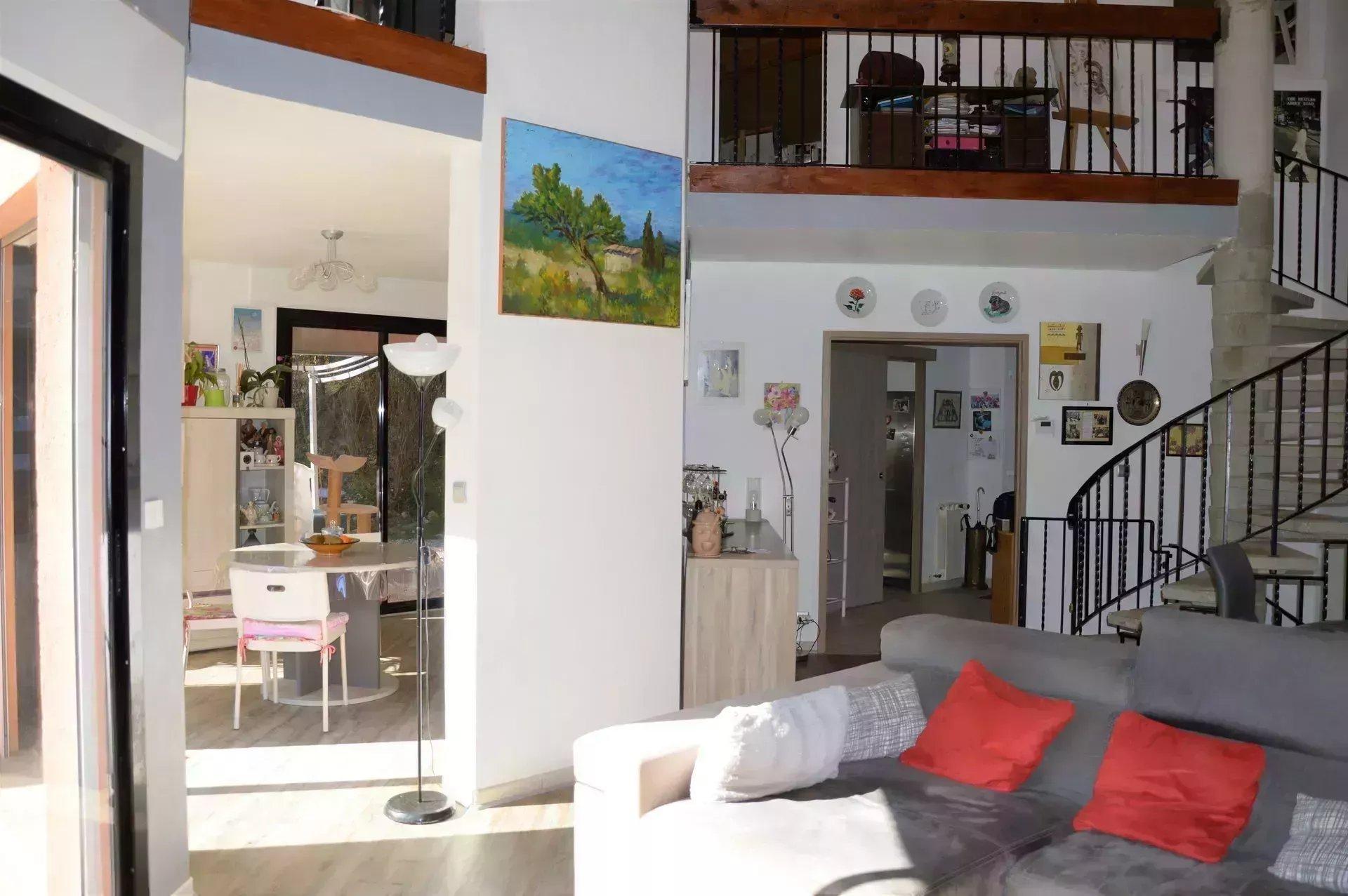 Maison T6, 150 m2, 3800 m2 de terrain