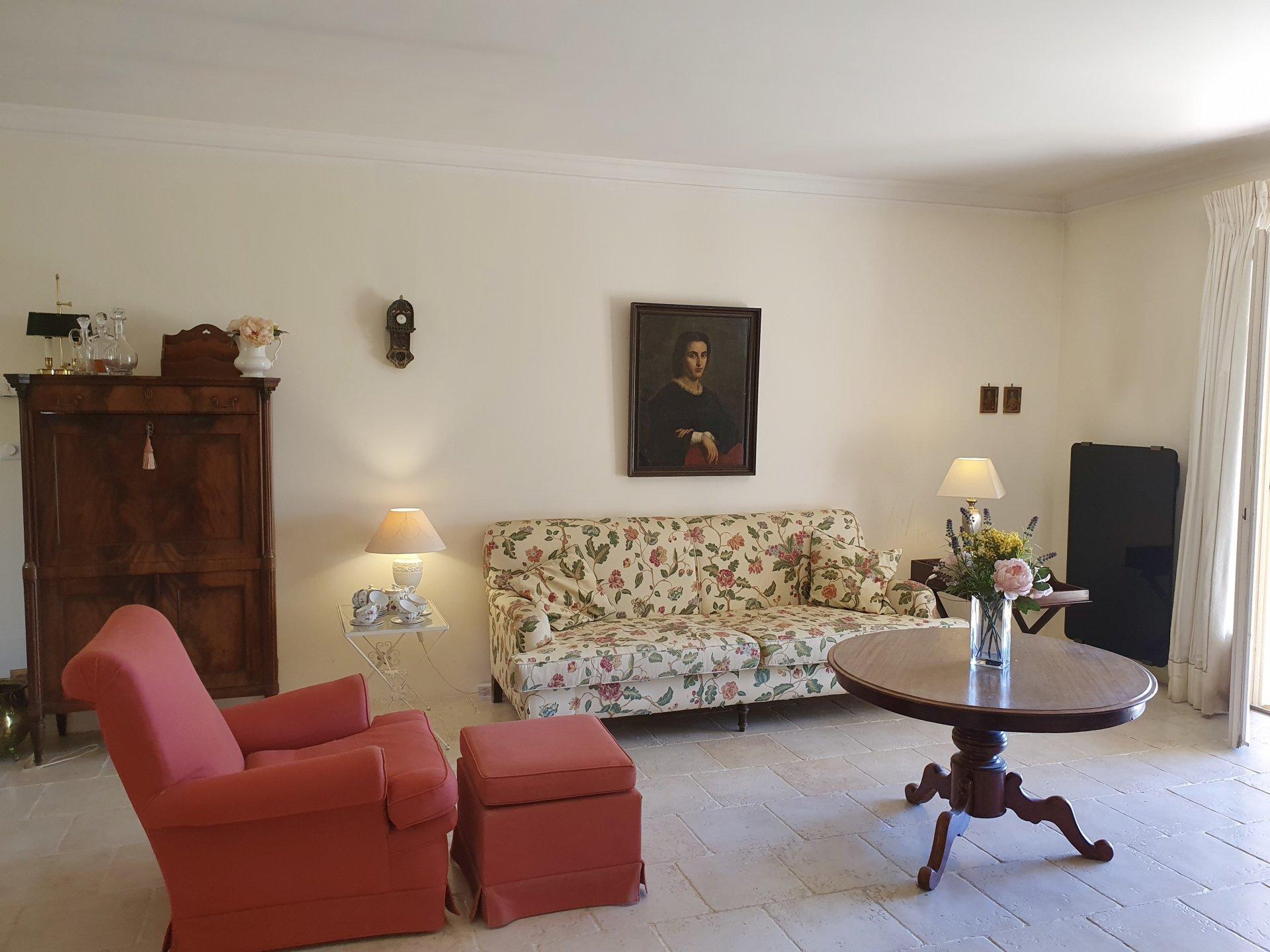Zonnige Villa op loopafstand van het centrum van Lorgues.