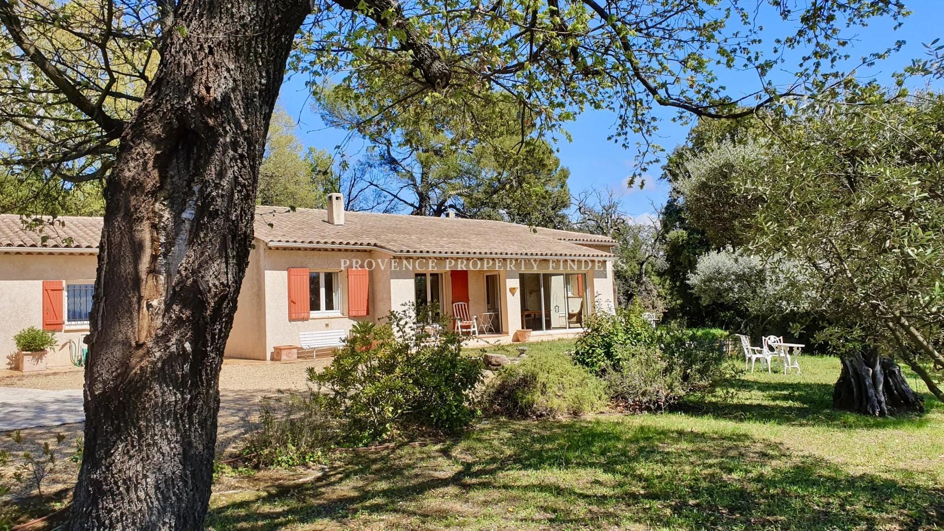 Exclusive! Villa, close to the village, nice view.