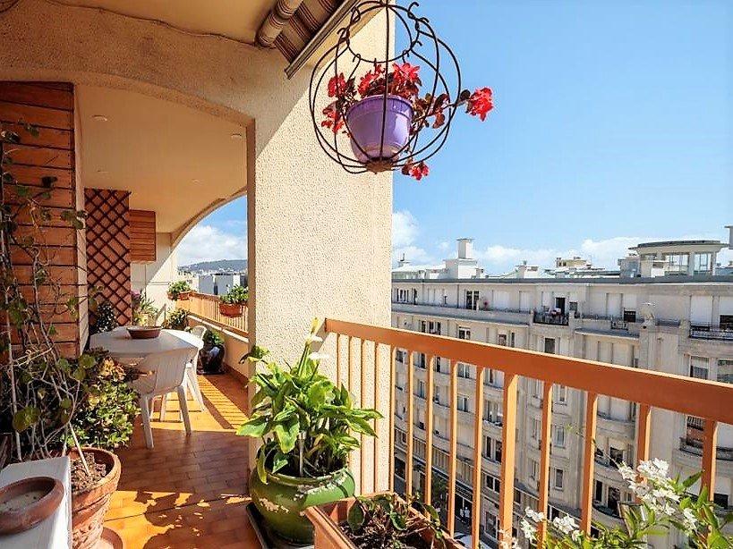 Nice Rue de France - 5 pièces dernier étage vue mer