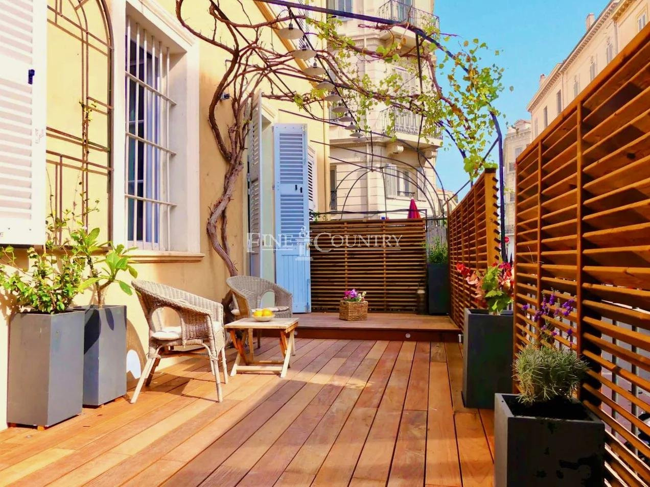 Character Apartment for sale in Cannes Center