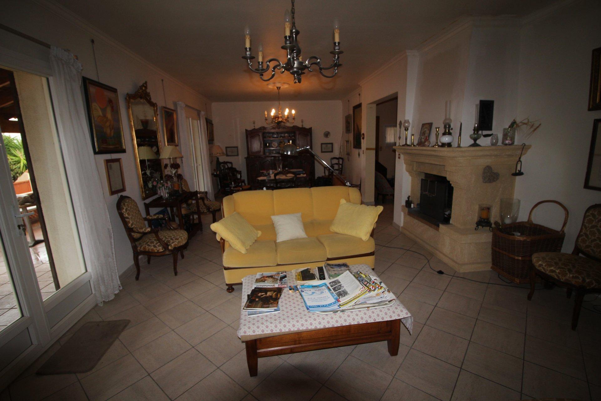Villa contemporaine avec vue