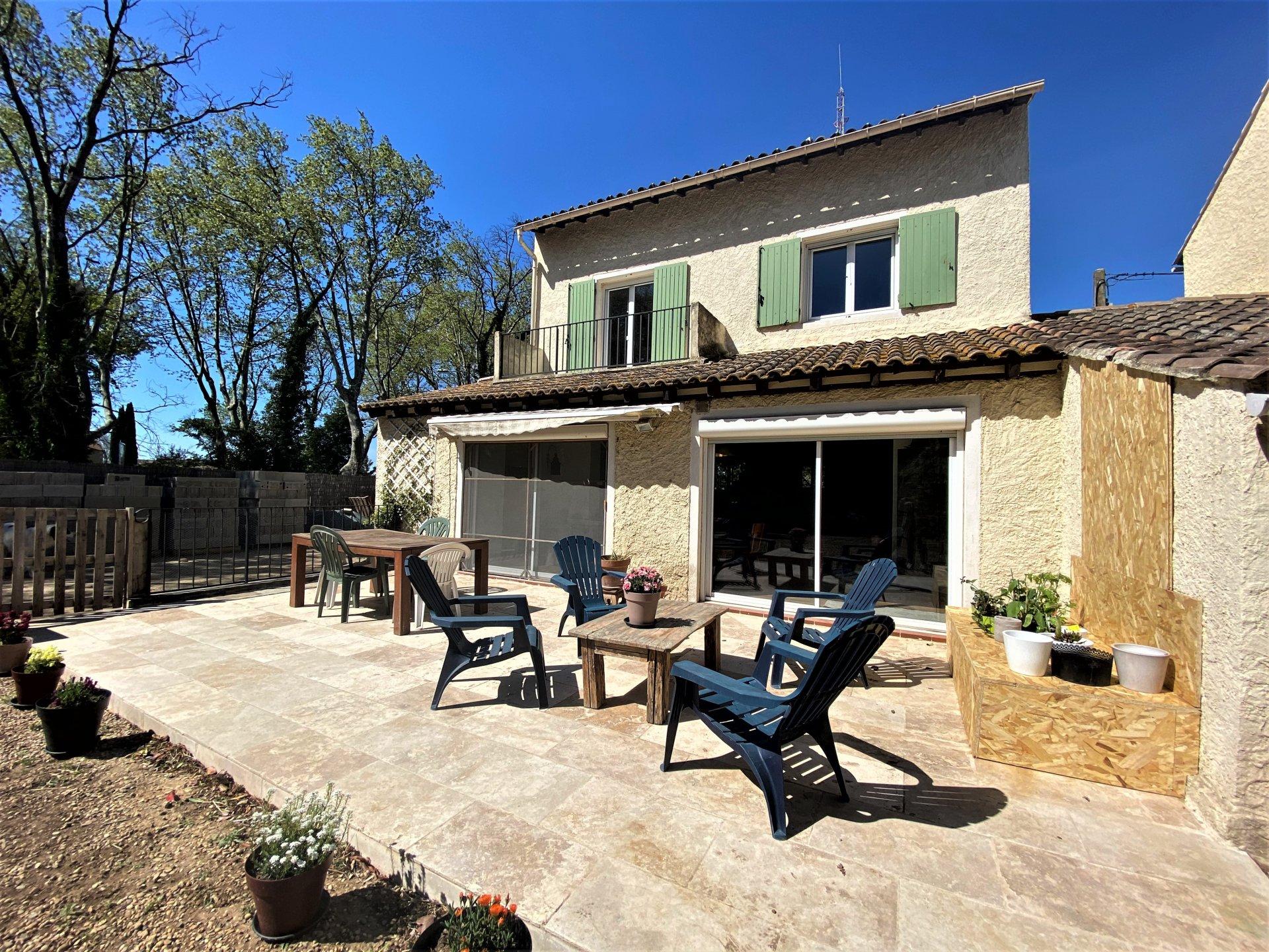 Villa centre ville de Raphèle les Arles