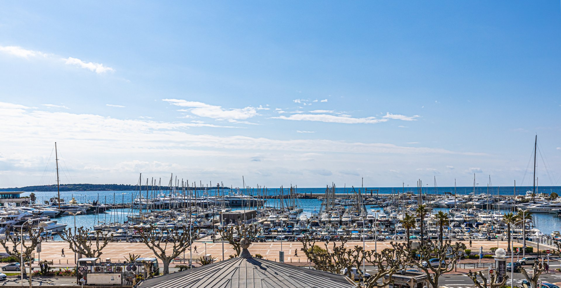 Penthouse, panoramic sea view, old Port-Forville area in Cannes