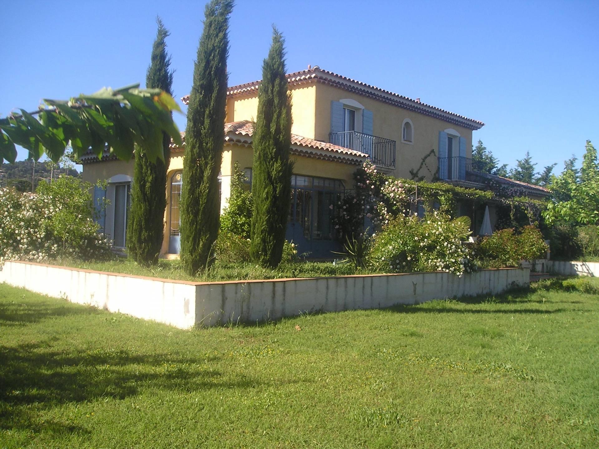 Prachtvolles Villenanwesen im Hinterland von St Tropez