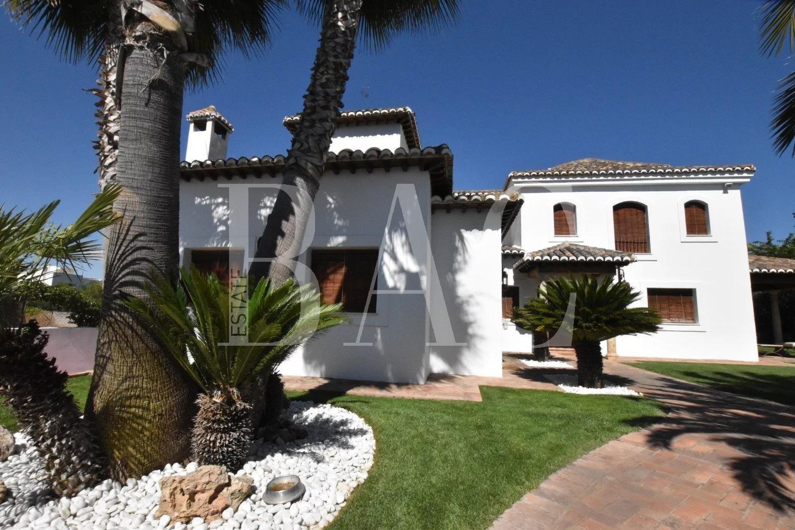 Villa-Swimming-Pool-Granada-Spain-BAC-Estate