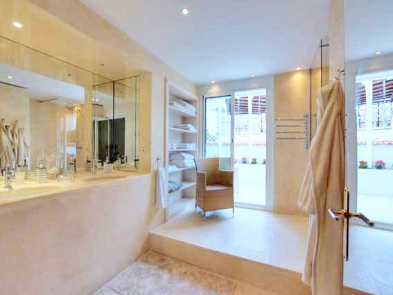 Private Townhouse for Sale