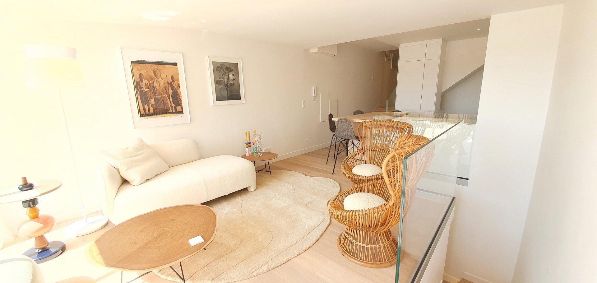 Penthouse en duplex 4 pièces vue mer centre Cannes proche palais