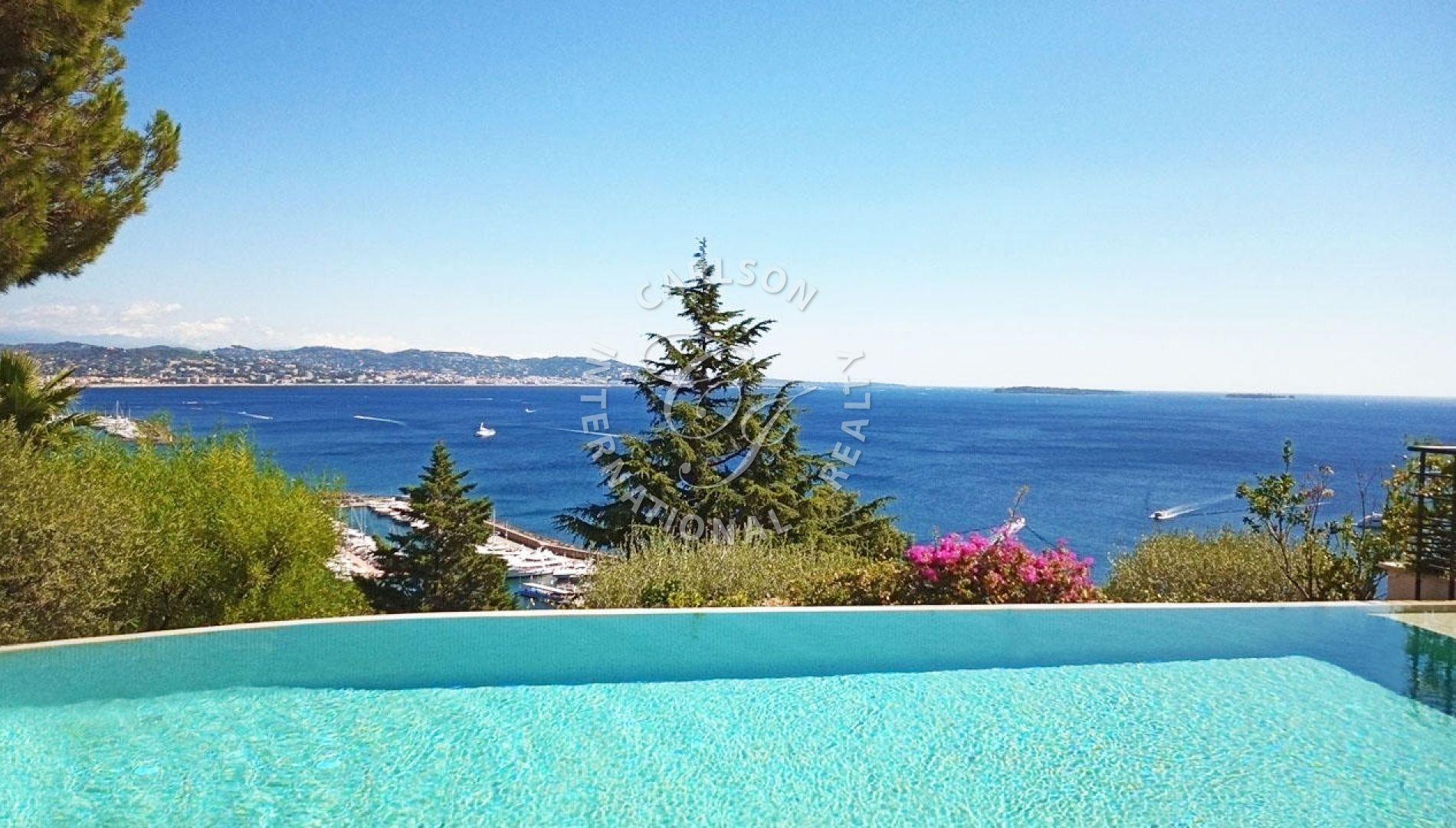 Luxueuse propriété de prestige vue mer panoramique à Théoule-sur-Mer.