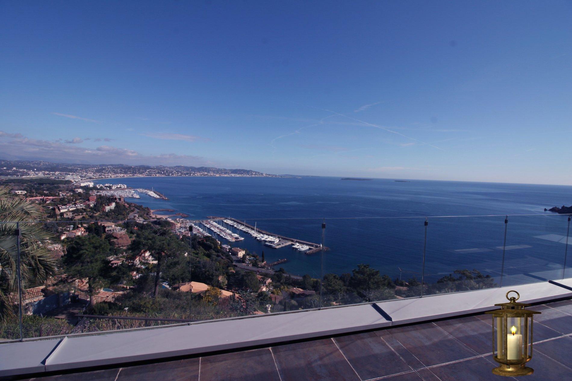 Propriété de prestige vue mer panoramique à Théoule-sur-Mer.