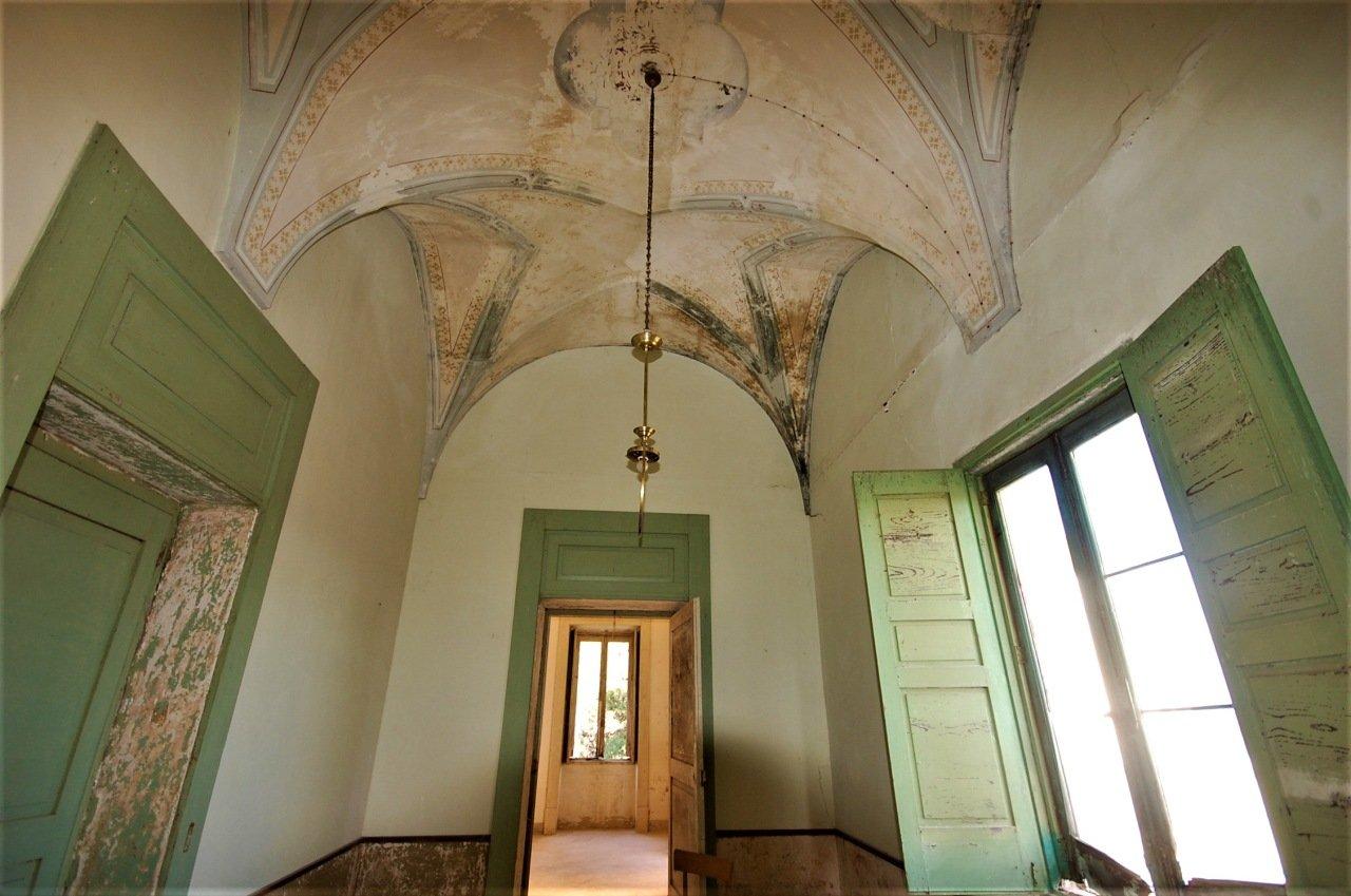 Alt renovierungsbedürftige Villa in Galatina