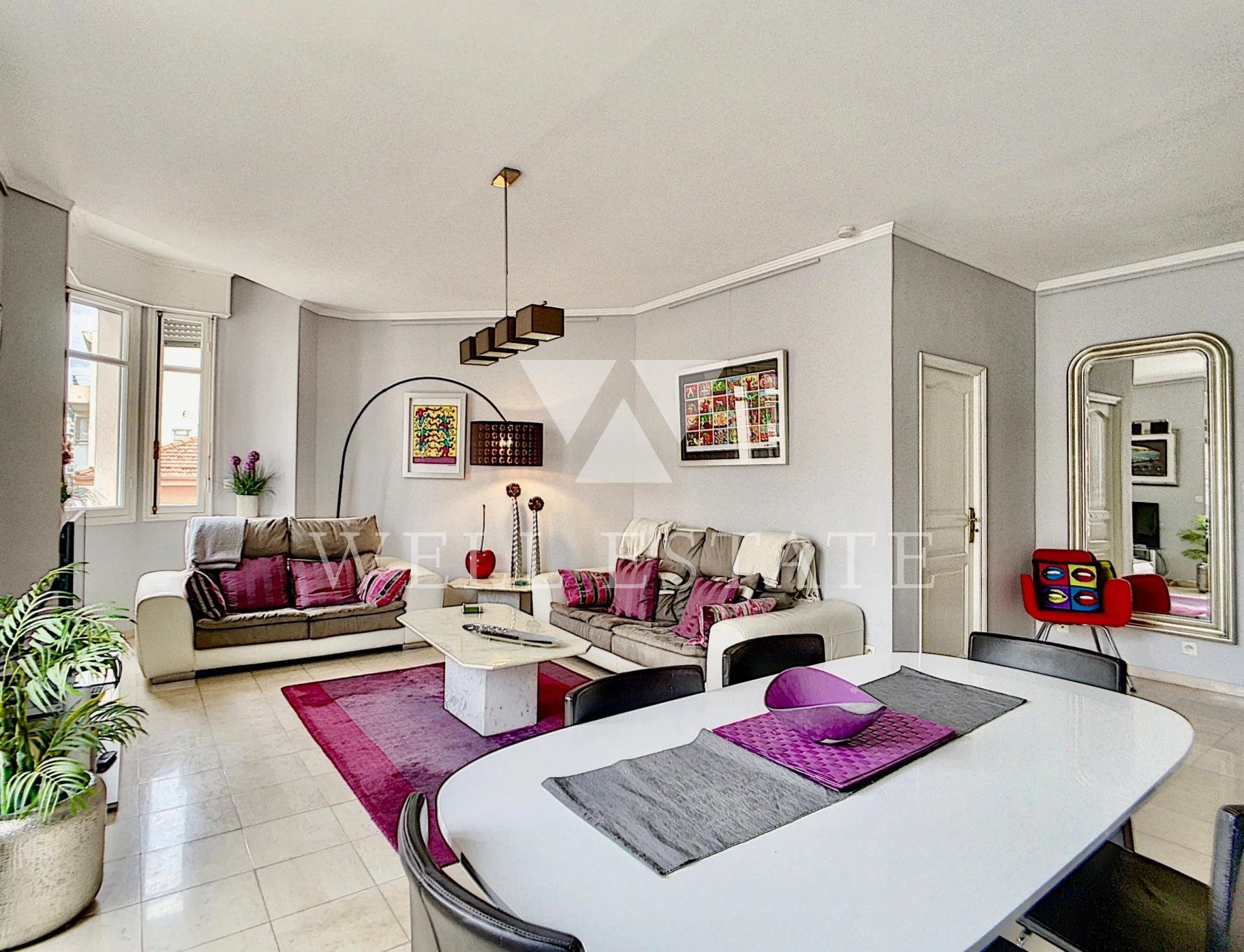 CANNES CROISETTE PALAIS MIRAMAR A 2 BEDROOM APARTMENT OF APPROXIMATELY 100M2 WITH SIDE SEA VIEW