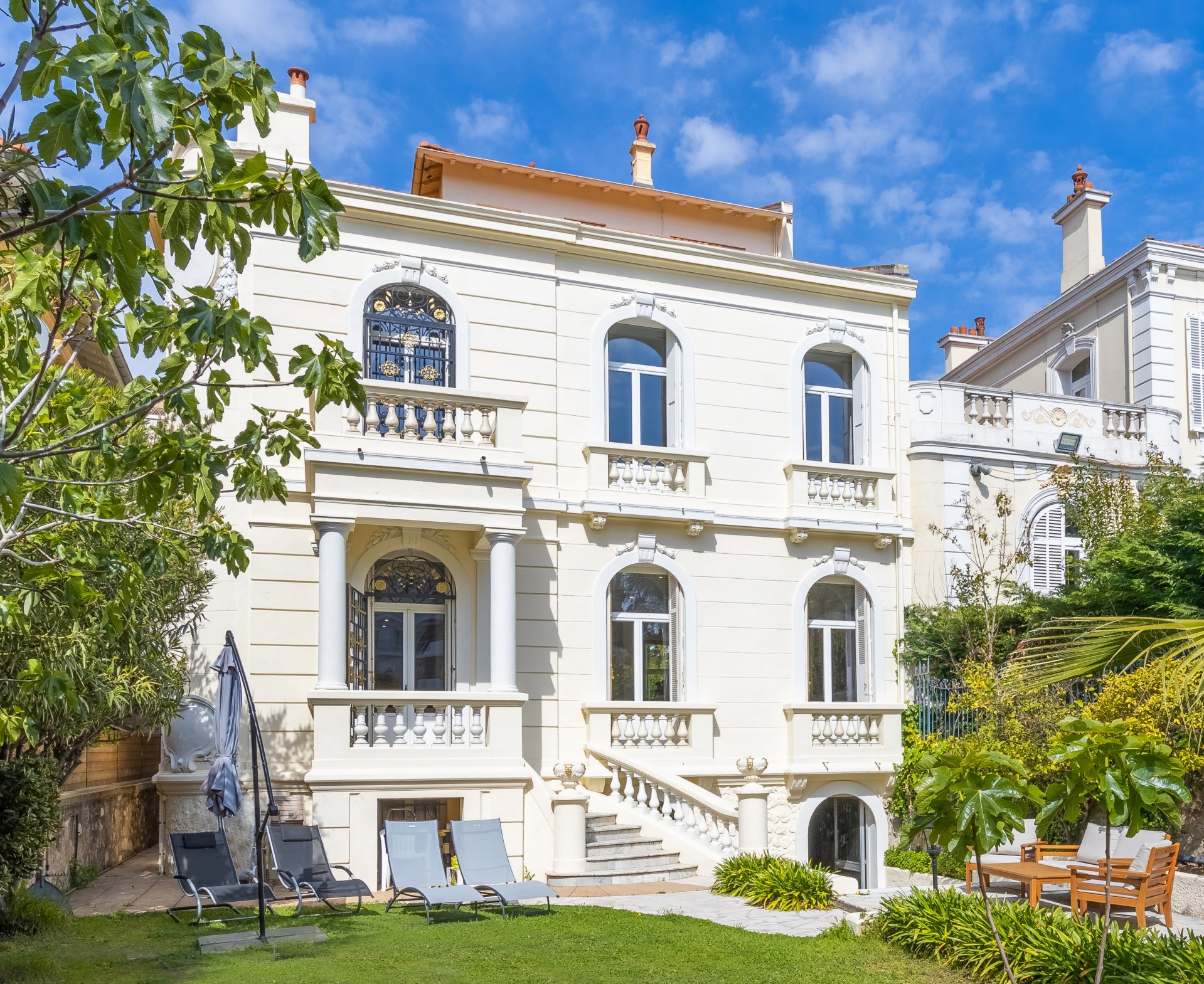 Private mansion, 515 m² land, 150 m from the rue d'Antibes in Cannes