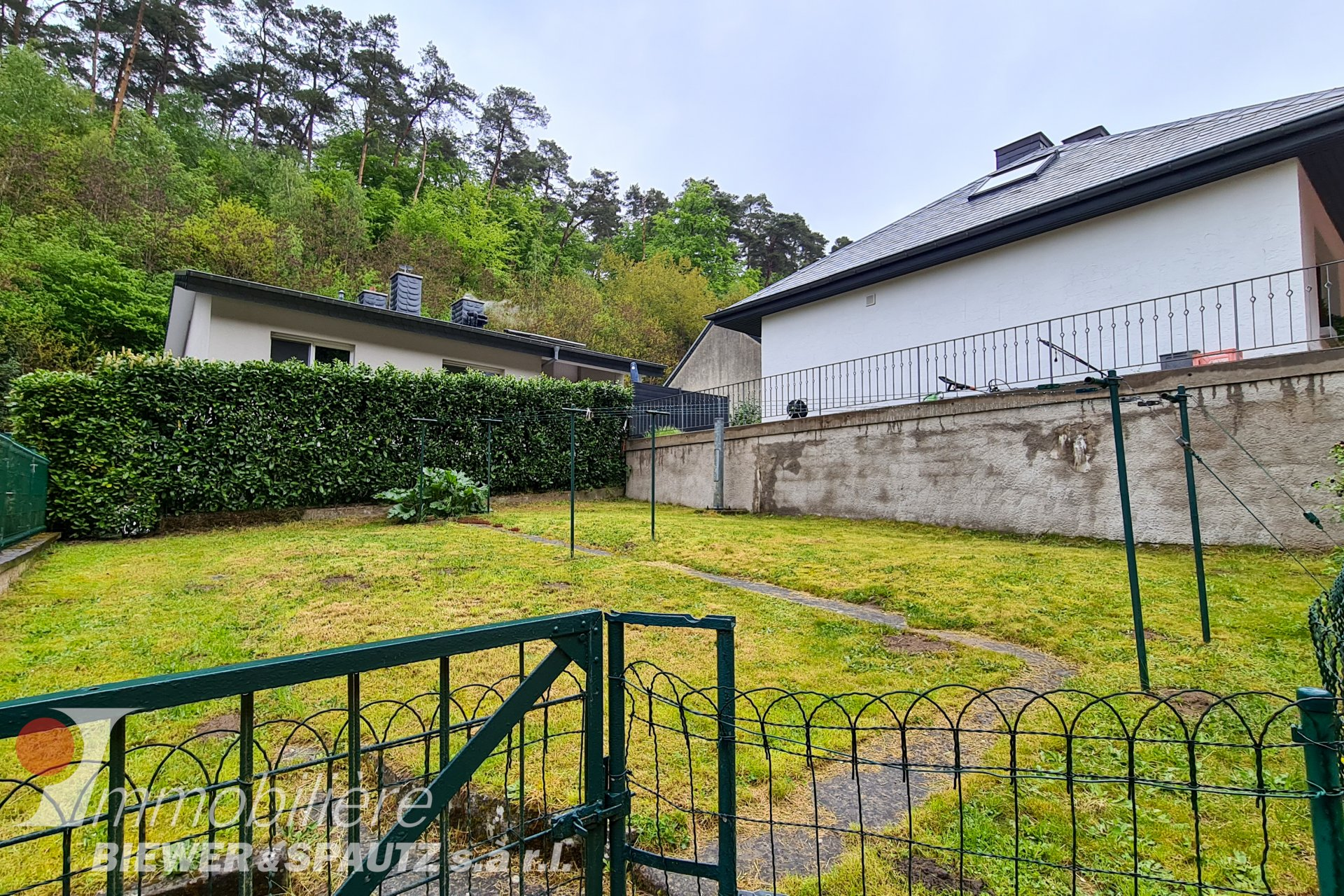 UNDER SALES AGREEMENT - house with 6 bedrooms in Bourglinster