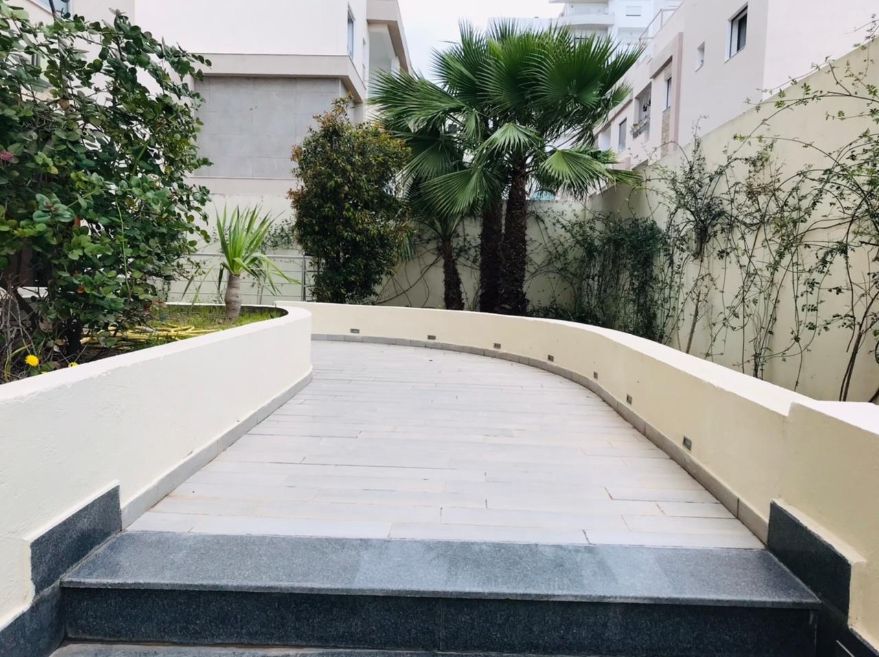 Sale Triplex - Jardins de Carthage - Tunisia