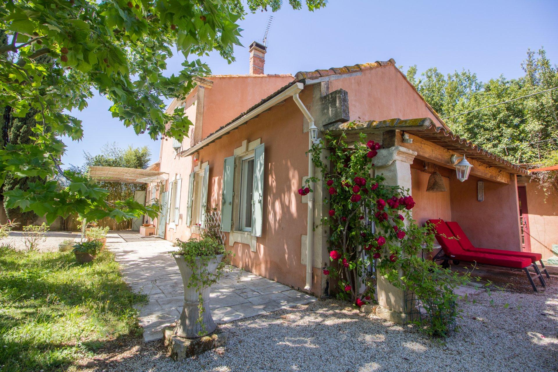 Mas de charme entre Alpilles et Arles