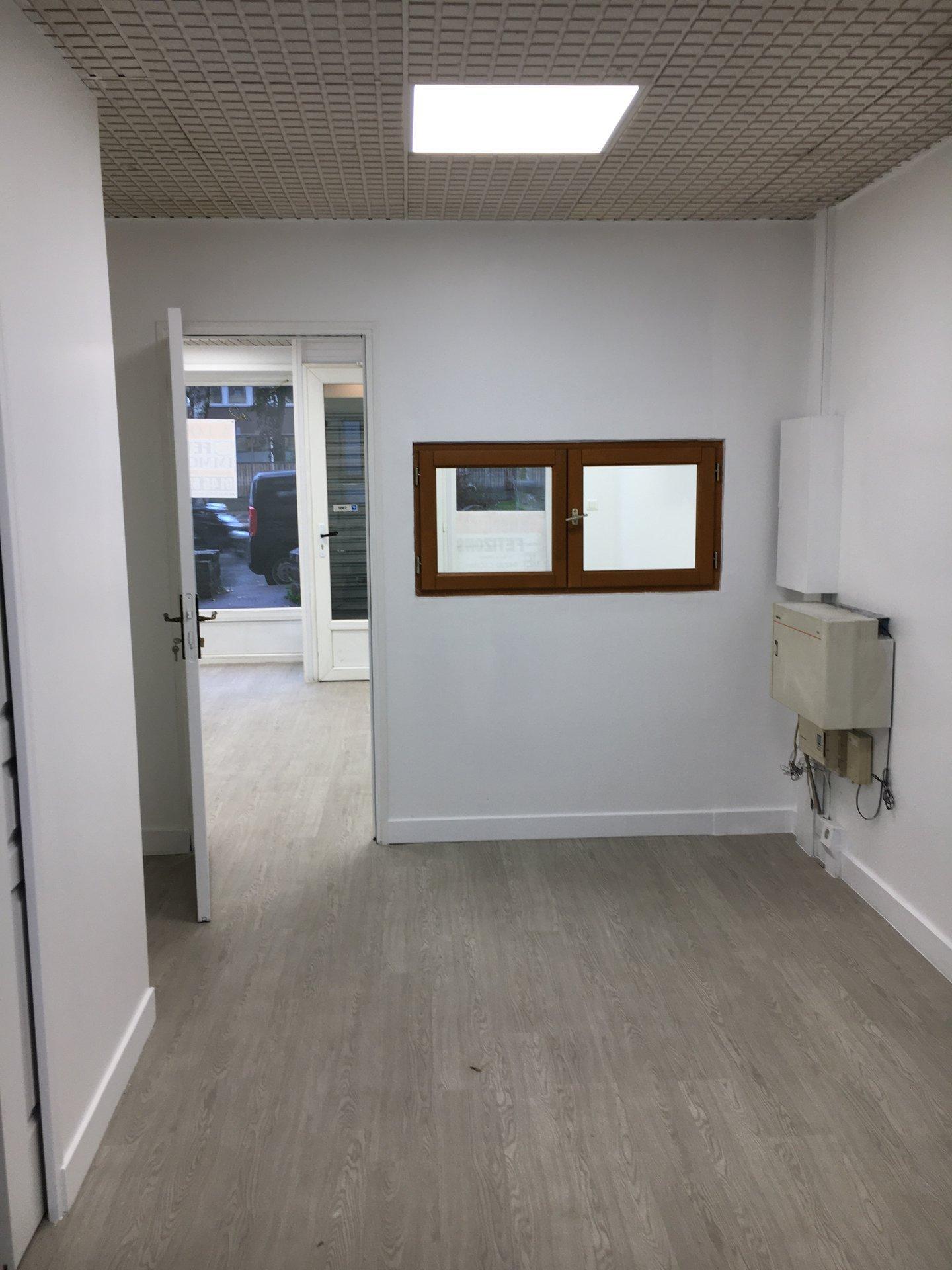 Boutique 2p 33 m² (bail précaire juin 2022)